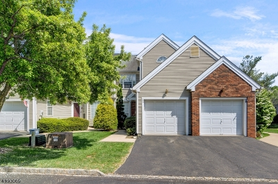 Readington Twp. Condo/Townhouse For Sale: 90 Violet Ct