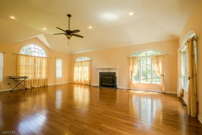 Millstone Twp. Single Family Home For Sale: 8 Stoney Brook Dr