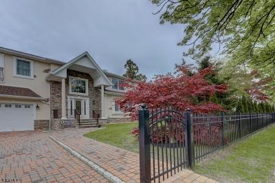 Wayne Twp. Single Family Home For Sale: 664 Black Oak Ridge Rd
