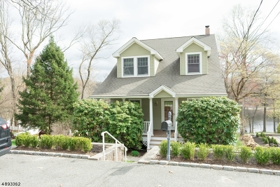 Rockaway Boro Single Family Home For Sale: 135 Chestnut Ter
