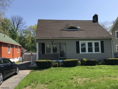Bloomfield Twp. Single Family Home For Sale: 579 Broad St