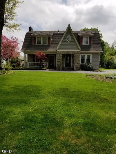 Morris Plains Boro Single Family Home For Sale: 16 Carlyle Ave