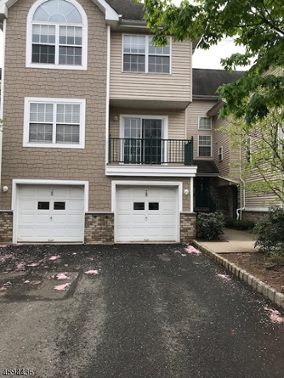 Montgomery Twp. Condo/Townhouse For Sale: 125 Tomahawk Ct