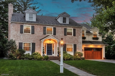 Montclair Twp. Single Family Home For Sale: 24 Greenview Way