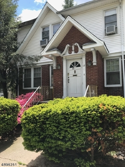 Passaic City Single Family Home For Sale: 17 Parkview Pl