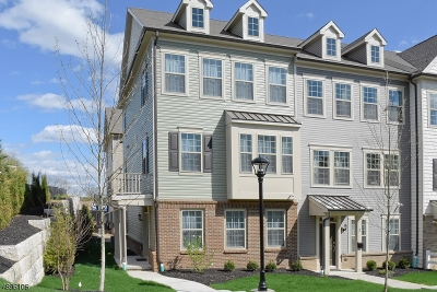 Livingston Condo/Townhouse For Sale: 1 Ambrosia Ct