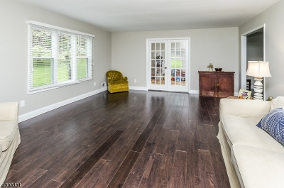 Raritan Twp. Single Family Home For Sale: 22 Rustic Trl