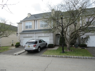 Wayne Twp. Condo/Townhouse For Sale: 8606 Brittany Dr