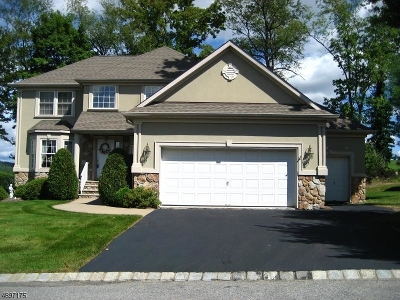 Hardyston Twp. Single Family Home For Sale: 13 Red Oak Dr