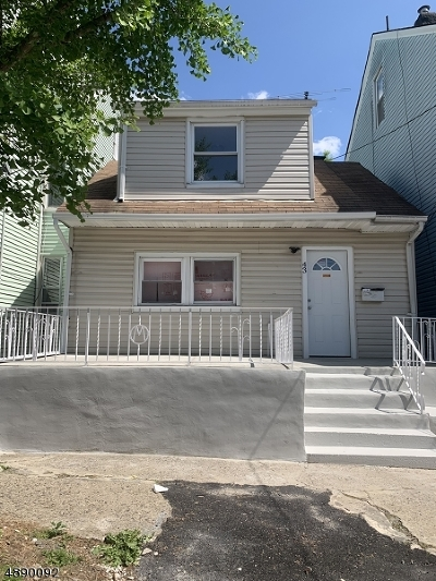 Paterson City Single Family Home For Sale: 43 N York St