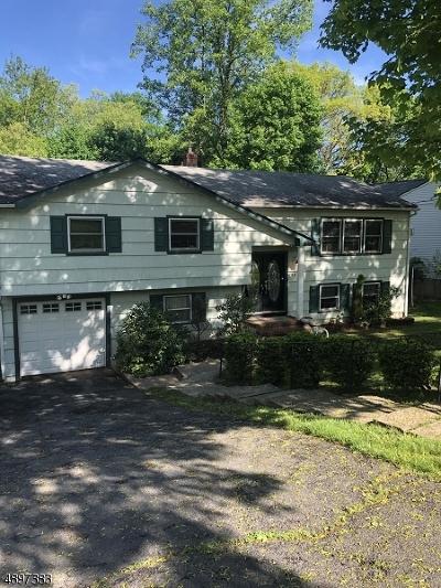 Livingston Single Family Home For Sale: 46 Edgemere Rd