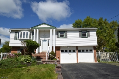Rockaway Twp. Single Family Home For Sale: 11 Midway Ct