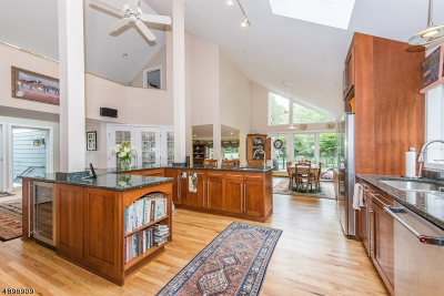 Mendham Boro, Mendham Twp. Single Family Home For Sale: 4 Horseshoe Bend Ln
