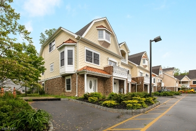 New Providence Condo/Townhouse For Sale: 1 Riverbend Court
