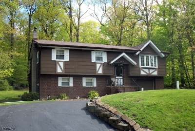 Vernon Twp. Single Family Home For Sale: 39 Hickory Rd