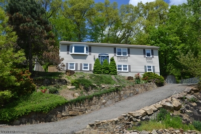 Rockaway Boro Single Family Home For Sale: 83 Crestwood Rd