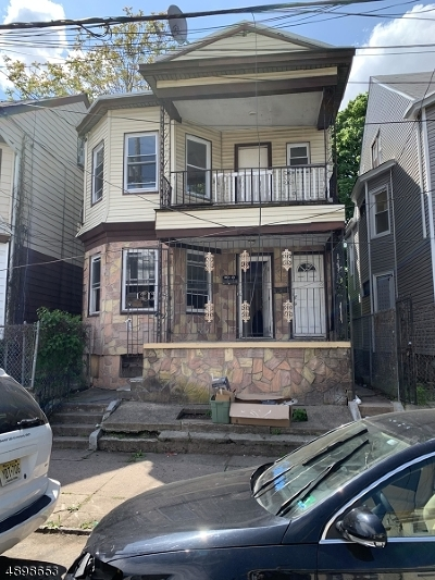 Paterson City Multi Family Home For Sale: 598-600 E 23rd St