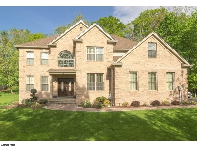 Wayne Twp. Single Family Home For Sale: 72 Colonial Rd