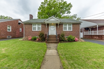 Union Twp. Single Family Home For Sale: 12 Edgewood Pky