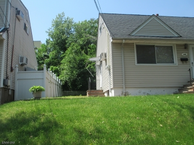 Kearny Town Single Family Home For Sale: 147-149 Hickory St