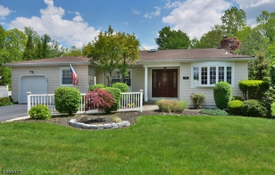 West Caldwell Twp. Single Family Home For Sale: 18 Aldrin Dr