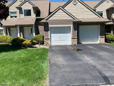 Hardyston Twp. Condo/Townhouse For Sale: 62 Clubhouse Rd #62