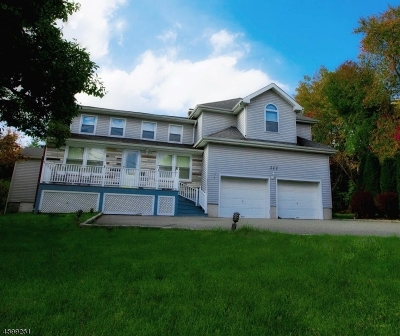 East Hanover Twp. NJ Single Family Home For Sale: $619,000