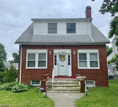 Single Family Home For Sale: 761 Colonial Ave