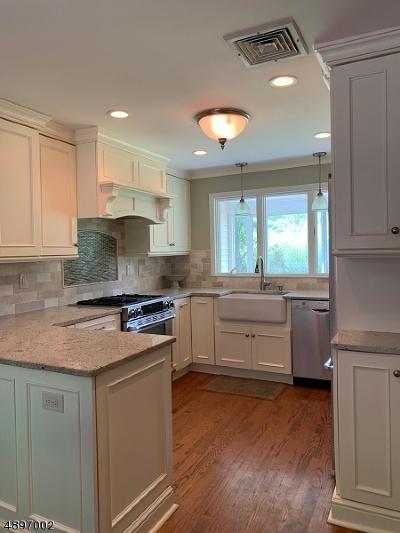 Bernards Twp., Bernardsville Boro Single Family Home For Sale: 49 Pheasant Hill Dr