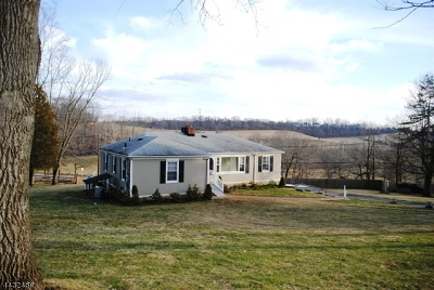 Somerset County Single Family Home For Sale: 14 Crestview Dr