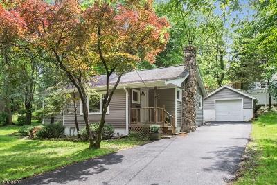 Wayne Twp. Single Family Home For Sale: 19 Laurel Dr