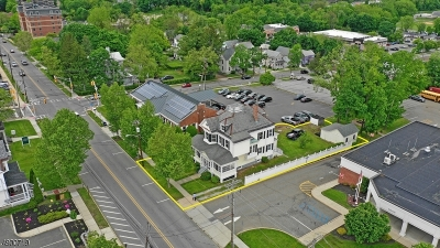 Newton Town Single Family Home For Sale: 33 Trinity St