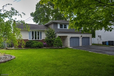 Union Twp. Single Family Home For Sale: 846 Greenwich Ln