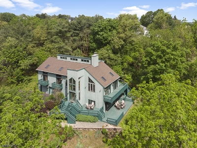 Raritan Twp. Single Family Home For Sale: 10 E View Ct
