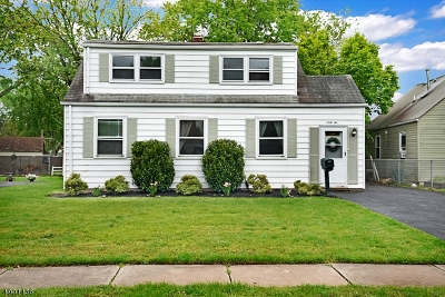 Somerville Boro Single Family Home For Sale: 62 Adams St