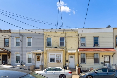 Newark City NJ Single Family Home For Sale: $229,000