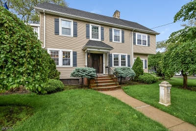 Elmora Hills Single Family Home For Sale: 821-823 Wyoming Ave