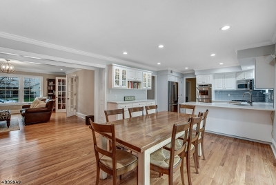Single Family Home For Sale: 24 Sherwood Rd