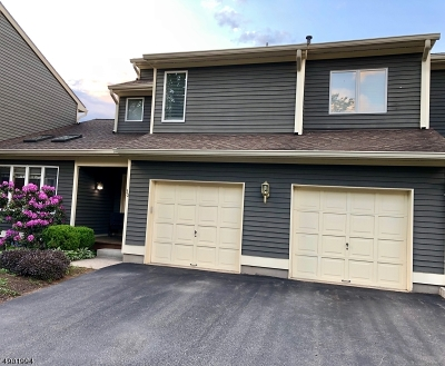 Clinton Twp. Condo/Townhouse For Sale: 30 Greenbriar Ln