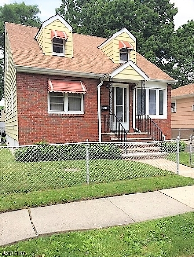 Linden City Single Family Home For Sale: 823 Passaic Ave