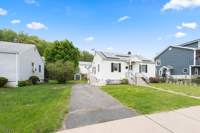 Dover Town Single Family Home For Sale: 25 Watson Dr