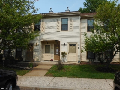 Freehold Twp. Condo/Townhouse For Sale: 9 Victoria Ct Unit 4 #4