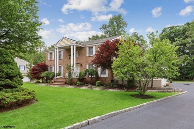 Wyckoff Twp. Single Family Home For Sale: 351 Godwin Ave