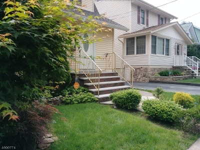 Passaic City Single Family Home For Sale: 39 Katherine Ave