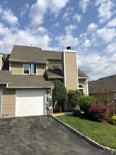 West Orange Twp. Condo/Townhouse For Sale: 49 Fowler Dr