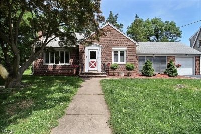 Bloomfield Twp. Single Family Home For Sale: 8 Darling Ave