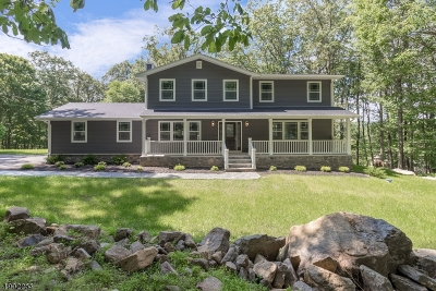 Tewksbury Twp. Single Family Home For Sale: 104 Old Driftway Lane
