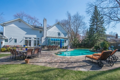 Livingston Single Family Home For Sale: 24 Stonewall Dr