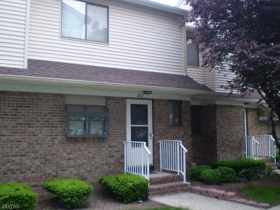 Union Twp. Condo/Townhouse For Sale: 802 Orchard Meadows Dr N