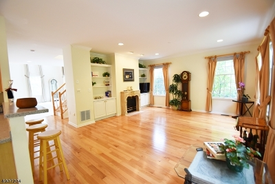 Passaic County Condo/Townhouse For Sale: 67 Summer Hill Rd